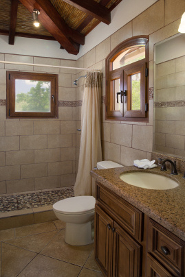 casa_colorados_upper_bathroom_2_cc