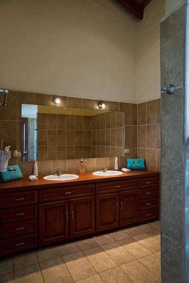 Wave_Garden_Upper_Bathroom_1_CC