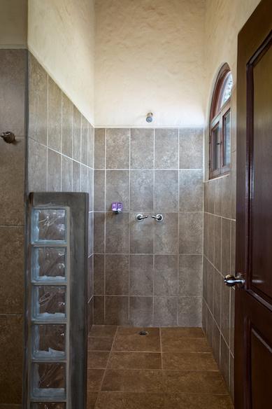 Wave_Garden_Upper_Bathroom_2_CC