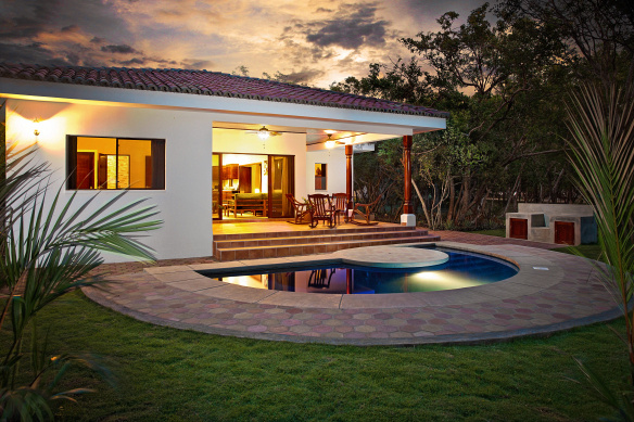 casita_u4_twilight_exterior_cc_hero