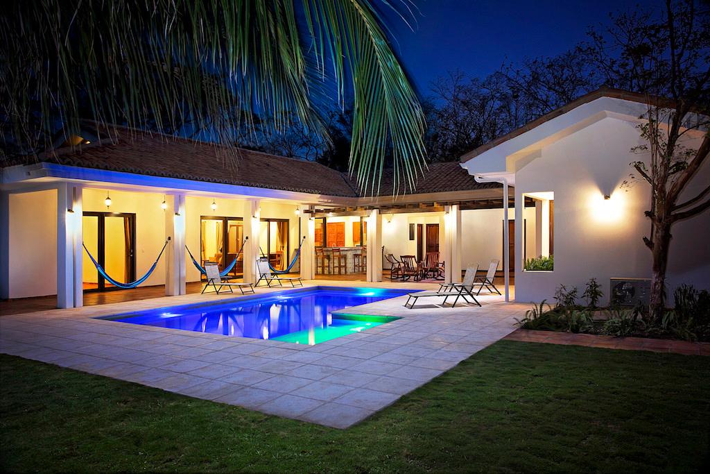 Villa Colorados_Twlight_Pool_Shot_CC