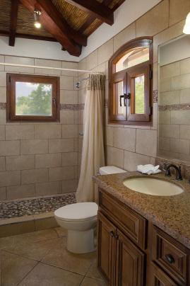 casa_colorados_upper_bathroom_2_cc